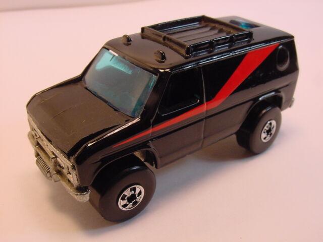 File:1984 Baja breaker Black BW.jpg