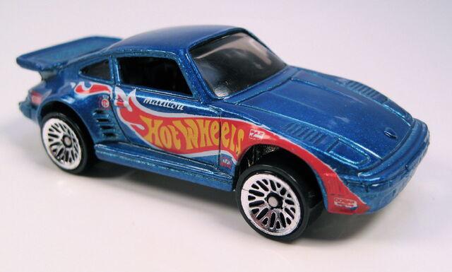 File:Porsche 930 blue 5-pack race team.JPG
