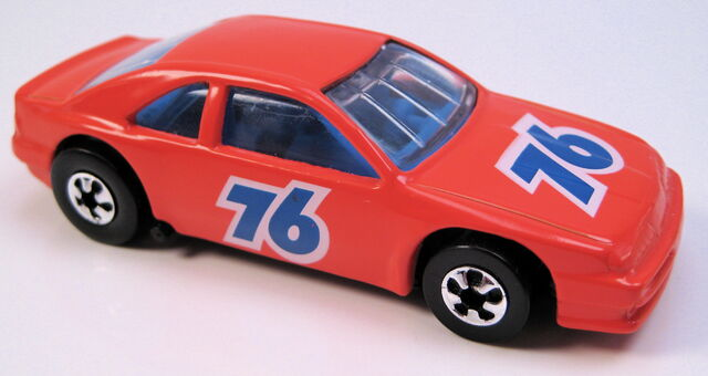 File:T Bird Stocker orange 76 BW Unocal promo car MAL base.JPG