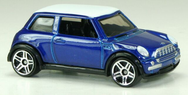 File:2013-MM2-2001MiniCooper-Blue.jpg