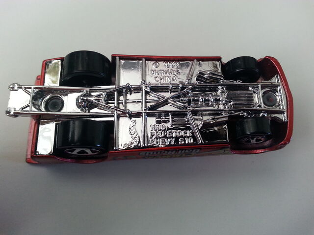 File:Chevy Pro Stock Truck underside.jpg