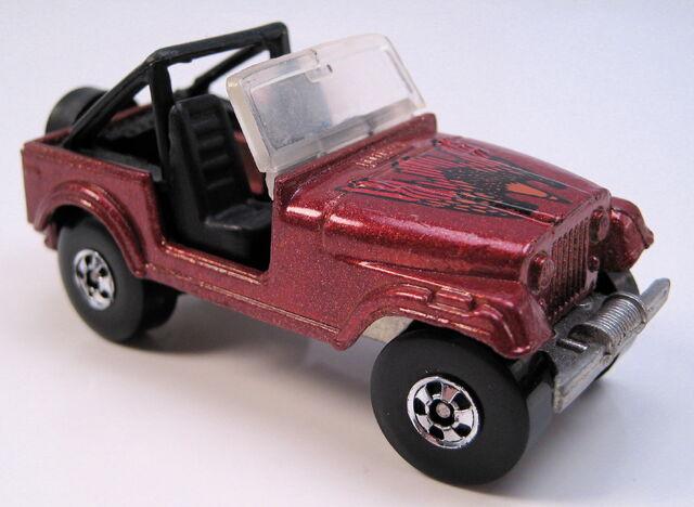 File:Jeep CJ7 brown met blk int BW MAL base.JPG