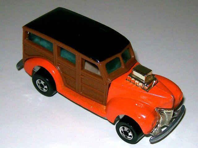 File:1979 40's Woody -Hi-Rakes-.jpeg