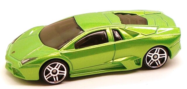 File:LamborghiniRevention Garage Green.JPG