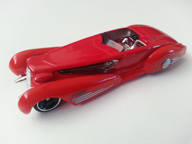 File:Custom Cadillac Fleetwood side.jpg