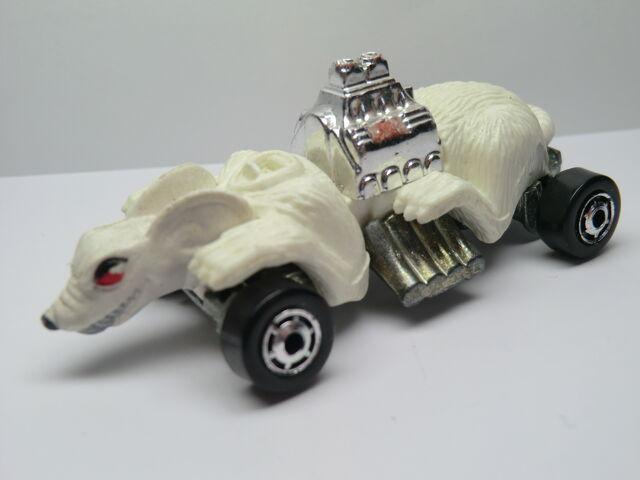 File:81 Ratmobile 1990.JPG