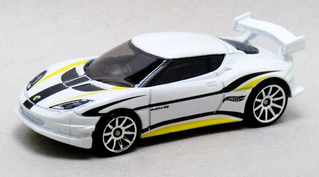 File:Lotus Evora GT4-2014 193.jpg