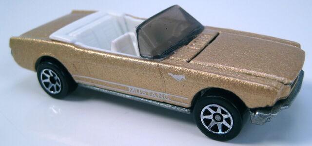 File:65 Mustang Convertible gold 7sp Mal base.JPG