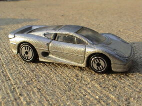 Jaguar XJ220 - Silver