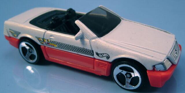 File:Mercedes Benz 500SL California Dreamin 5-pack car Thia base.JPG