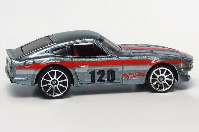 File:Metalflake Gray Datsun 240Z.jpg