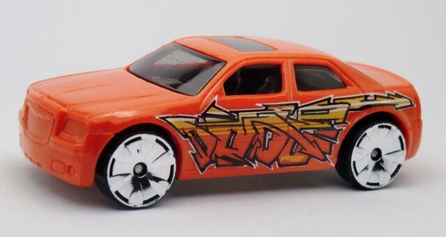 File:Chrysler 300C Hemi-2013 033.jpg