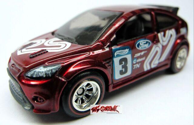 File:2012-'09 Ford Focus RS-Super.jpg