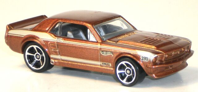 File:2012-67FordMustangCoupe-Copper.jpg