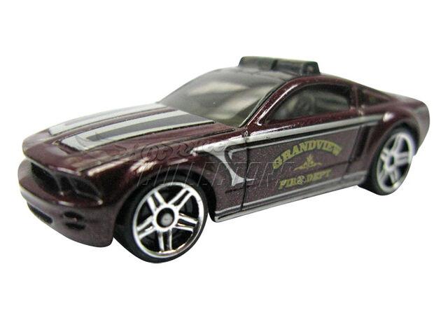 File:Ford Mustang GT Concept 2011 HW Main Street.jpg