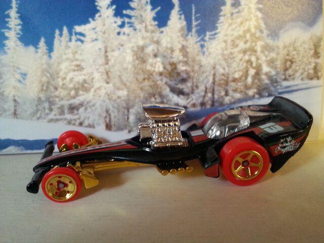 File:Holiday Hot Rods -7-MadFast-L9949.jpg