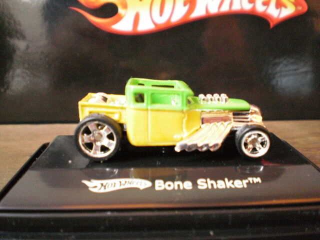 File:Bone Shaker 1-87 Long Beach Custom Day.JPG