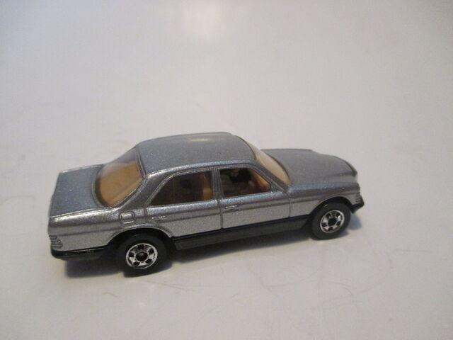 File:1983 Mercedes 380 SEL.JPG