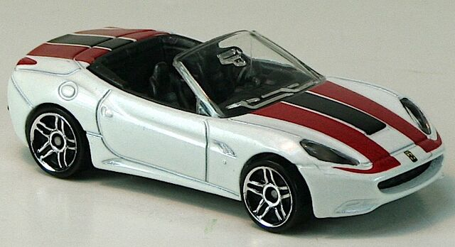 File:2012-FerrariCalifornia-White.jpg