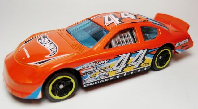 File:'05 Dodge Charger Stock Car-2012 183.jpg
