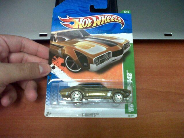 File:Hotwheels '68 Olds 442 Trea$ure Hunt$.jpg