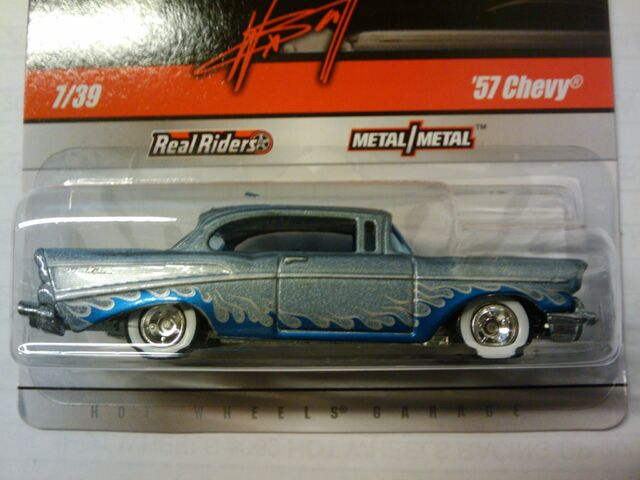 File:Waynes garage 57 chevy gray blue.jpg