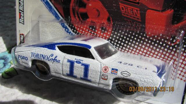 File:Vintage racing 28.JPG