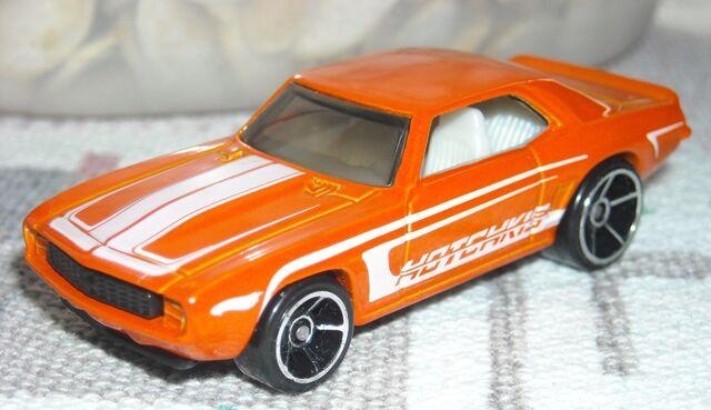 File:69 Camaro orange.jpg
