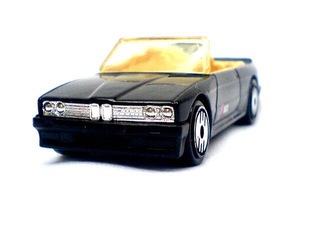 File:1989 BMW 323 a.jpg