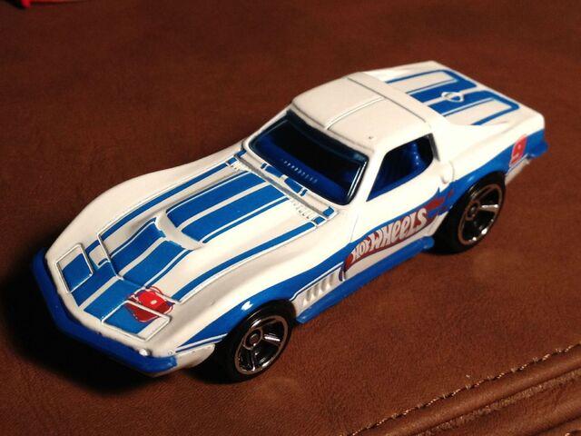 File:'69 Corvette white.jpg