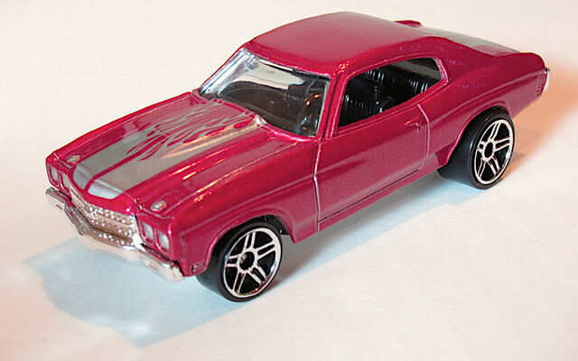 File:70Chevelle2006MotownPinkishRed.jpg