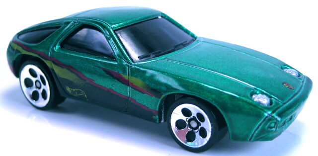 File:Porsche 928 P-928 green metallic 2001.JPG