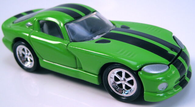 File:Dodge viper GTS coupe lime green black stripes pc5 wheels.JPG