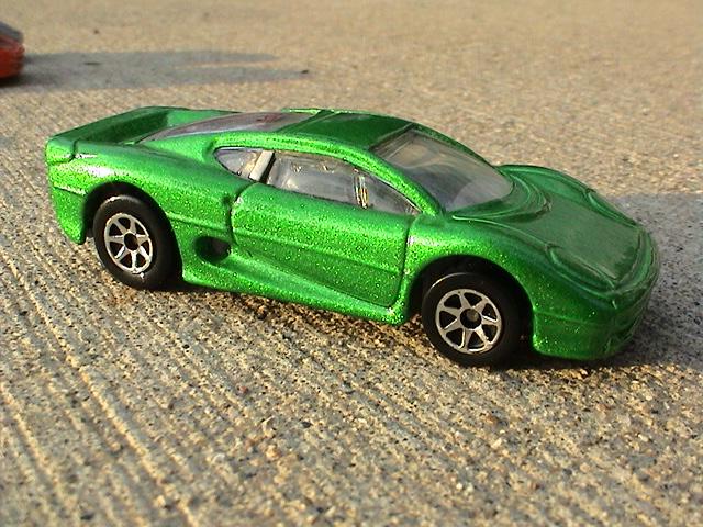 File:Jaguar XJ220 - Green Super Show Cars.JPG