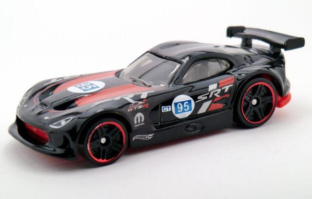 File:SRT Viper GTS-R-2015 150 Recolor.jpg
