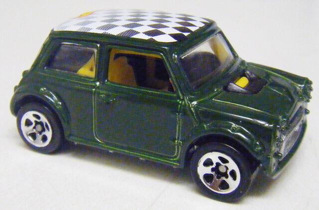 File:Mini - Green Open Vamp 5sp.jpg