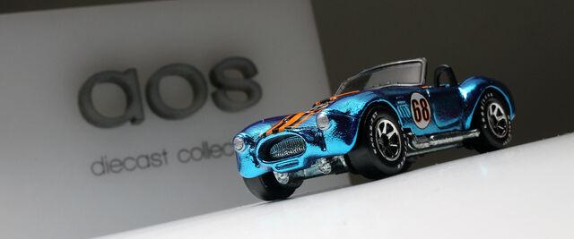File:Shelby Cobra 427 (spectraflame blue-GY7SP).jpg