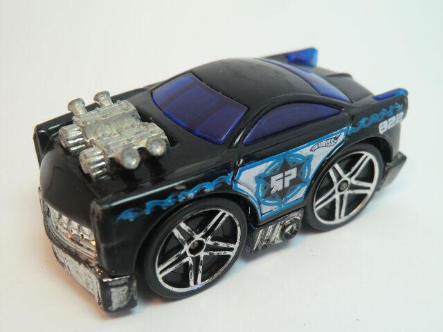 File:Brick Cutter 2005 Roll Patrol 5-Pack .JPG