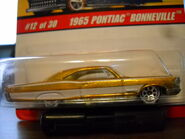 Hot Wheels Classics Gold 65 Pontiac Bonneville 009