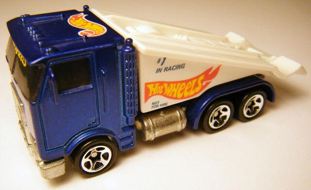 File:Ramp Truck - 96 Race Team Series II.jpg