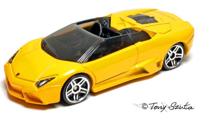 File:Lamborghini reventon roadster yellow.png