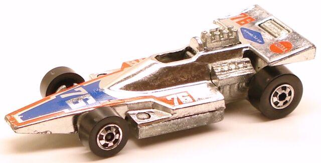 File:Formula5000 chromeBW.JPG