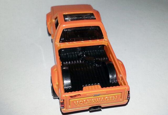 File:HW-Volkswagen Caddy-Rear view.jpg