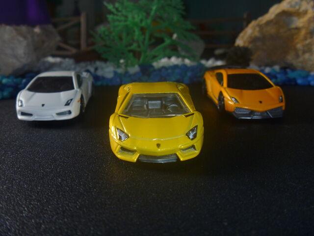 File:Lamborghini Aventador LP700-4.JPG