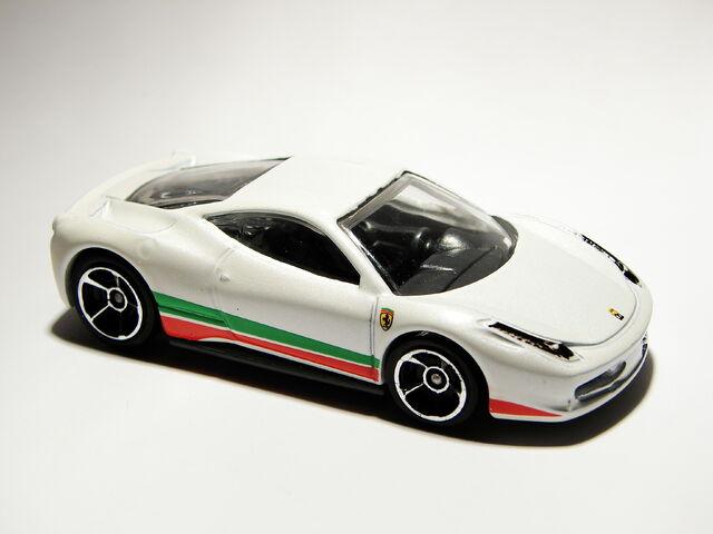 File:Ferrari 458 Italia 06.JPG