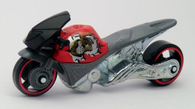 File:Street Noz-2013 Motor Cycles.jpg