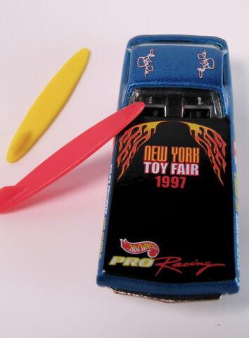 File:Toy fair deora top.JPG