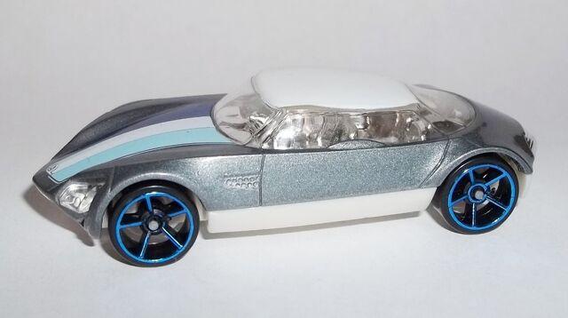 File:HW-2013-Mystery Models Series 2--16-Avant Garde.jpg