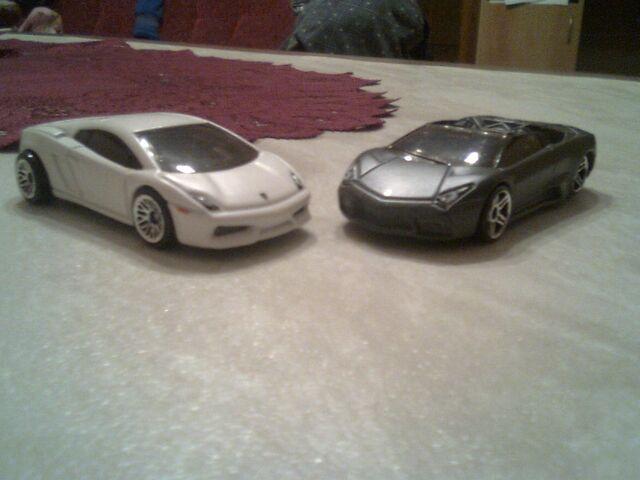 File:2 Lamborghinis.jpg