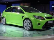 800px-Ford Focus RS Mk II-500x375